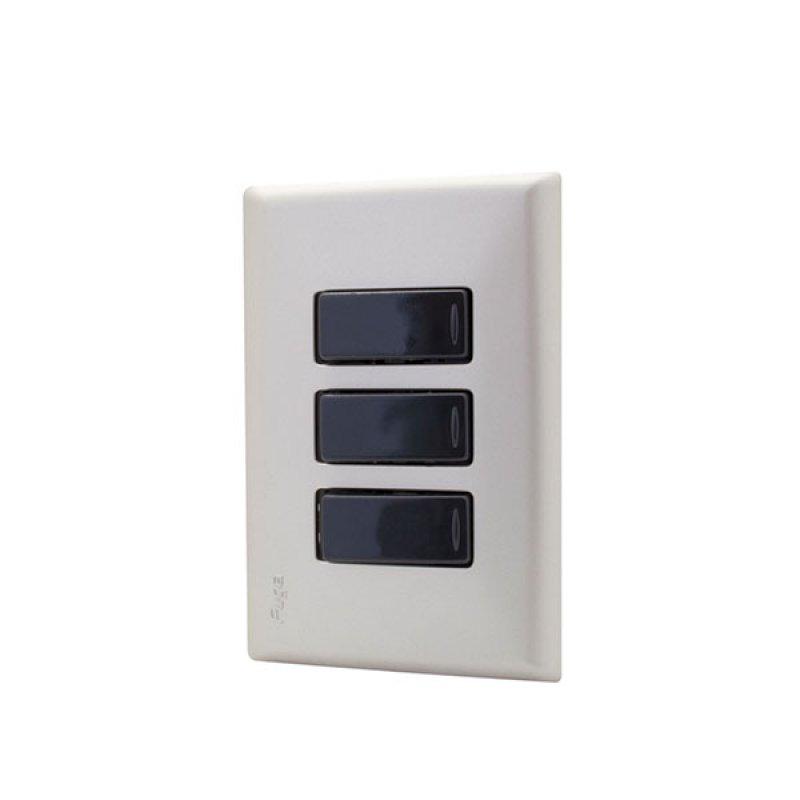 Interruptor Fuga Triple Perla Negro