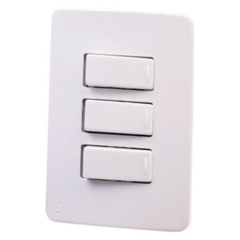 Interruptor Triple Ultra Básica Blanco